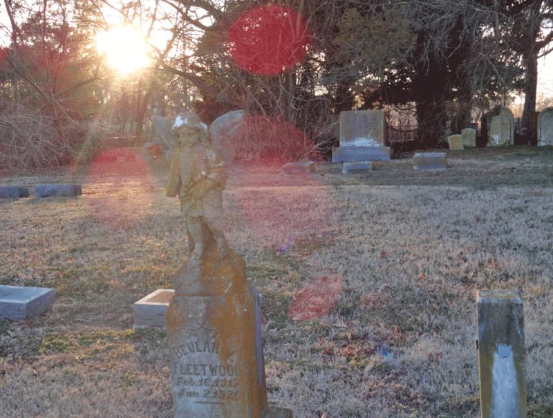 Child's Grave St Paul's graveyard - Marion