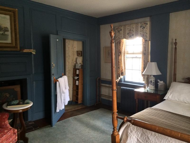 Room 1 at the Robert Morris Inn in Oxford.